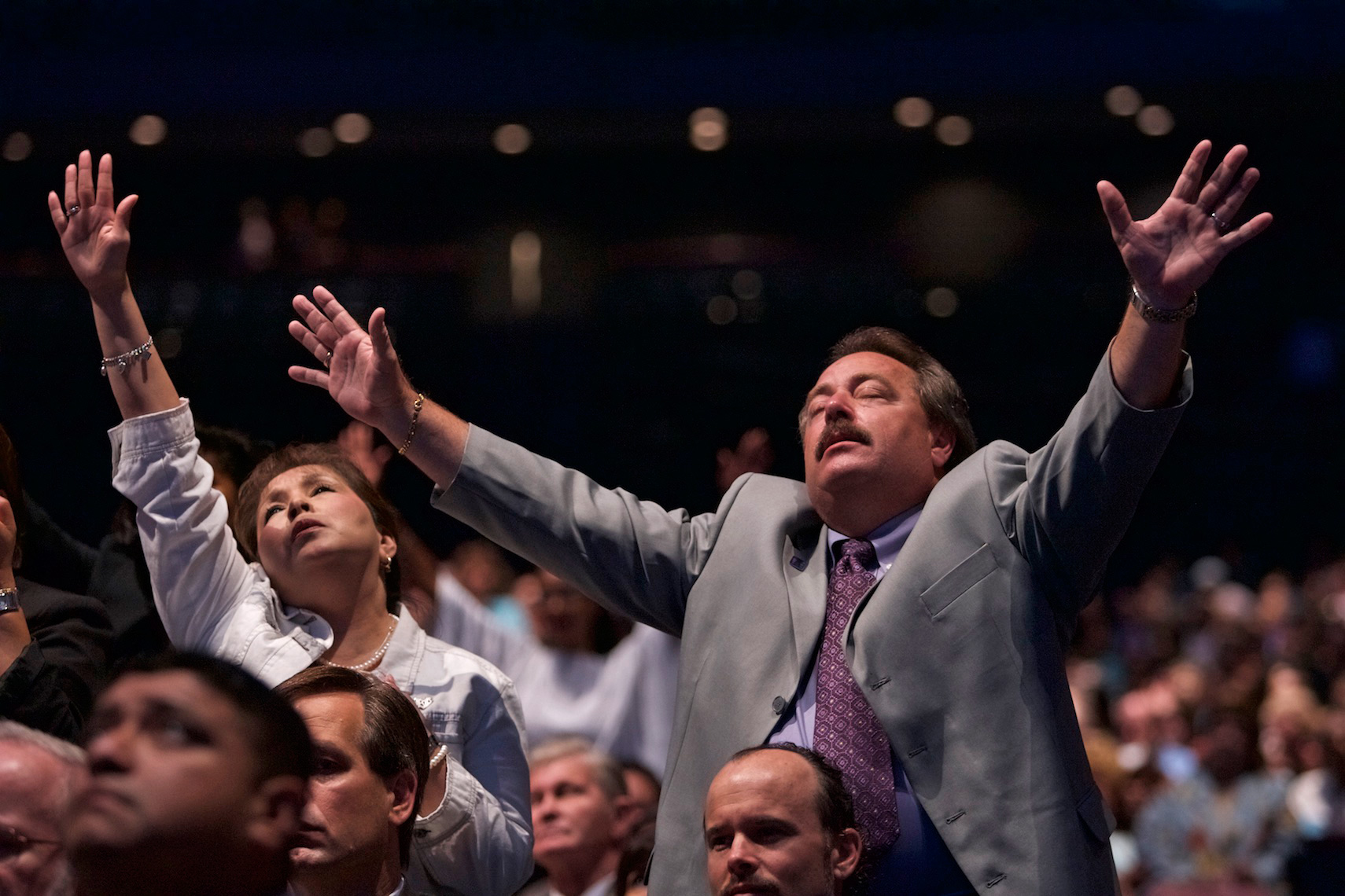 Lakewood Church Worshipers, Houston