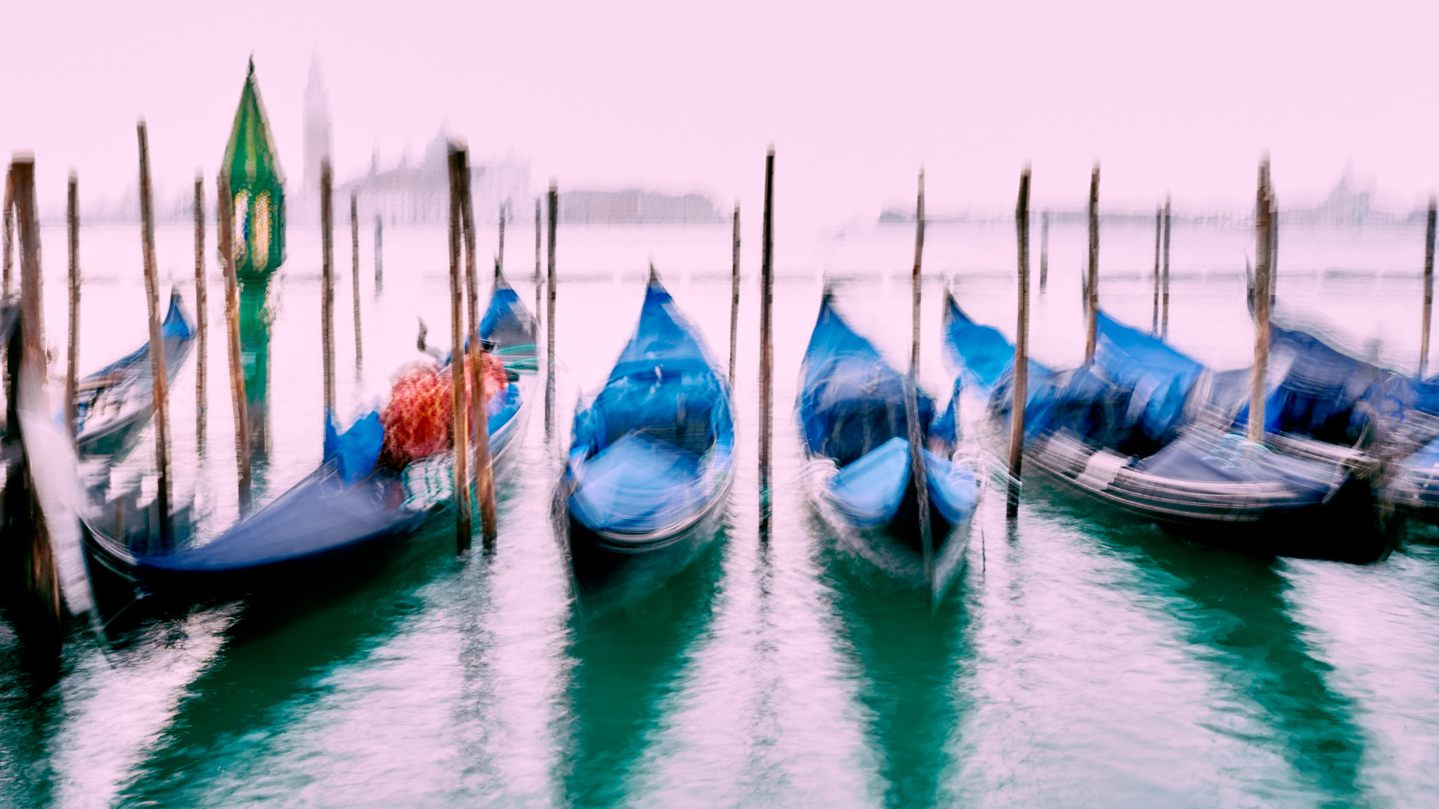 Gondolas in Motion